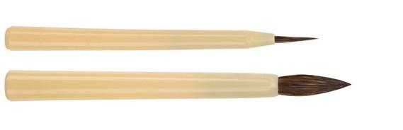 Malpinsel für Keramik und Porzellan, spitz mit mittlerer Haarlänge in Kunststoffkiel aus Fehhaar